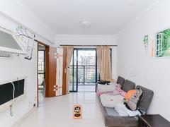 卡罗社区 正规两房 客厅出阳台 新置换家具 拎包入住二手房效果图