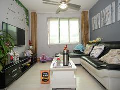 帝景峰 3室2厅0厨1卫 72.59m² 精致装修二手房效果图
