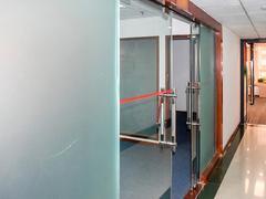 国际商会大厦 按照房产证面积出租,使用率高 精装户型方正实用