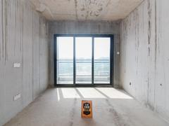 大运城邦三期 临深毛坯复式98平米,装修出可出租4500.