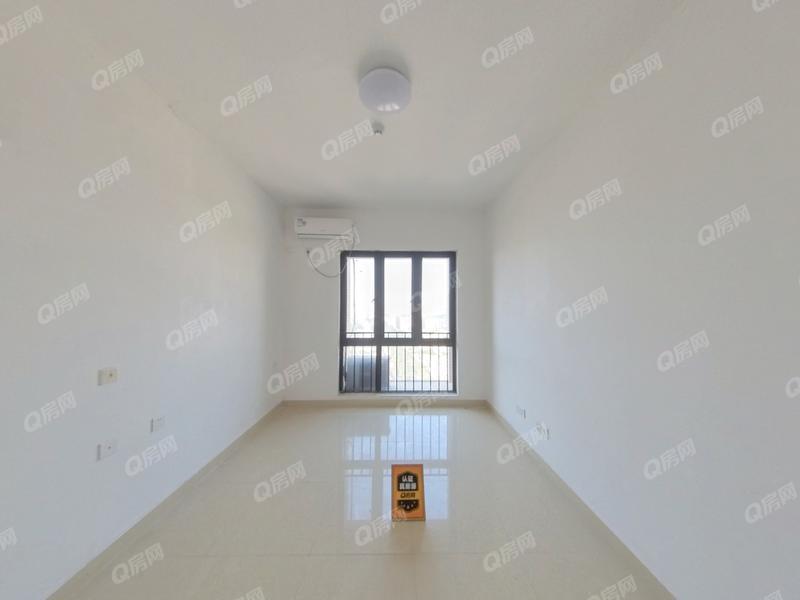 华盛峰荟名庭 1室0厅1厨1卫33.62m²精致装修