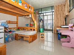 海滨假日 3室2厅1厨2卫 33.0m² 普通装修
