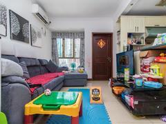 金色都汇 便宜出租房子很好 重新做了房子 很漂亮租房效果图
