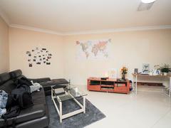 马赛国际公寓 稀有户型 中楼层 采光通风 望小区安静二手房效果图