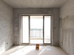 龙光城南区四期 优质户型,正规三房,业主诚心出售。二手房效果图