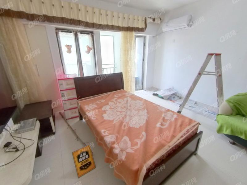 优品艺墅 普通装修,户型方正,可改小两房