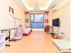 世茂广场 1室1厅1厨1卫 67.95m² 精致装修二手房效果图