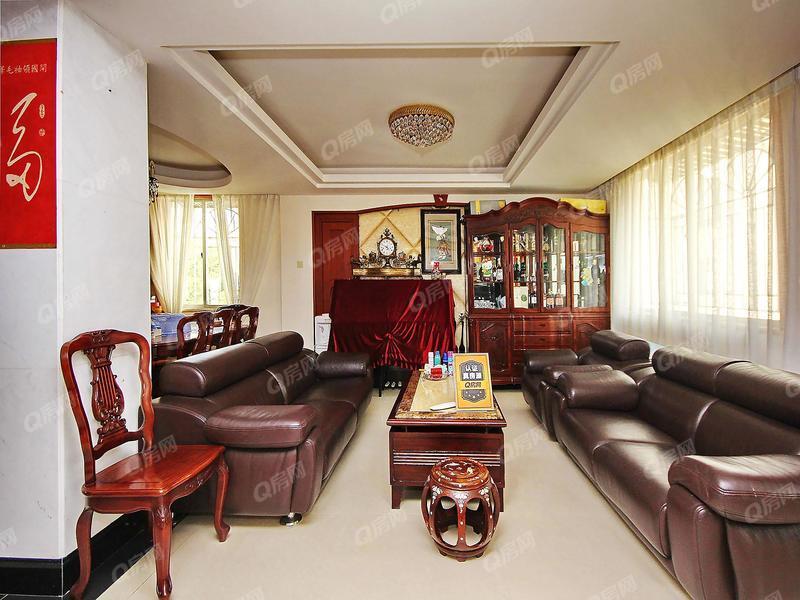 金枫花园 业主急房子,价格空间巨大,看房方便。